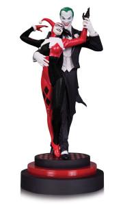 the-joker-and-harley-quinn-statue-4
